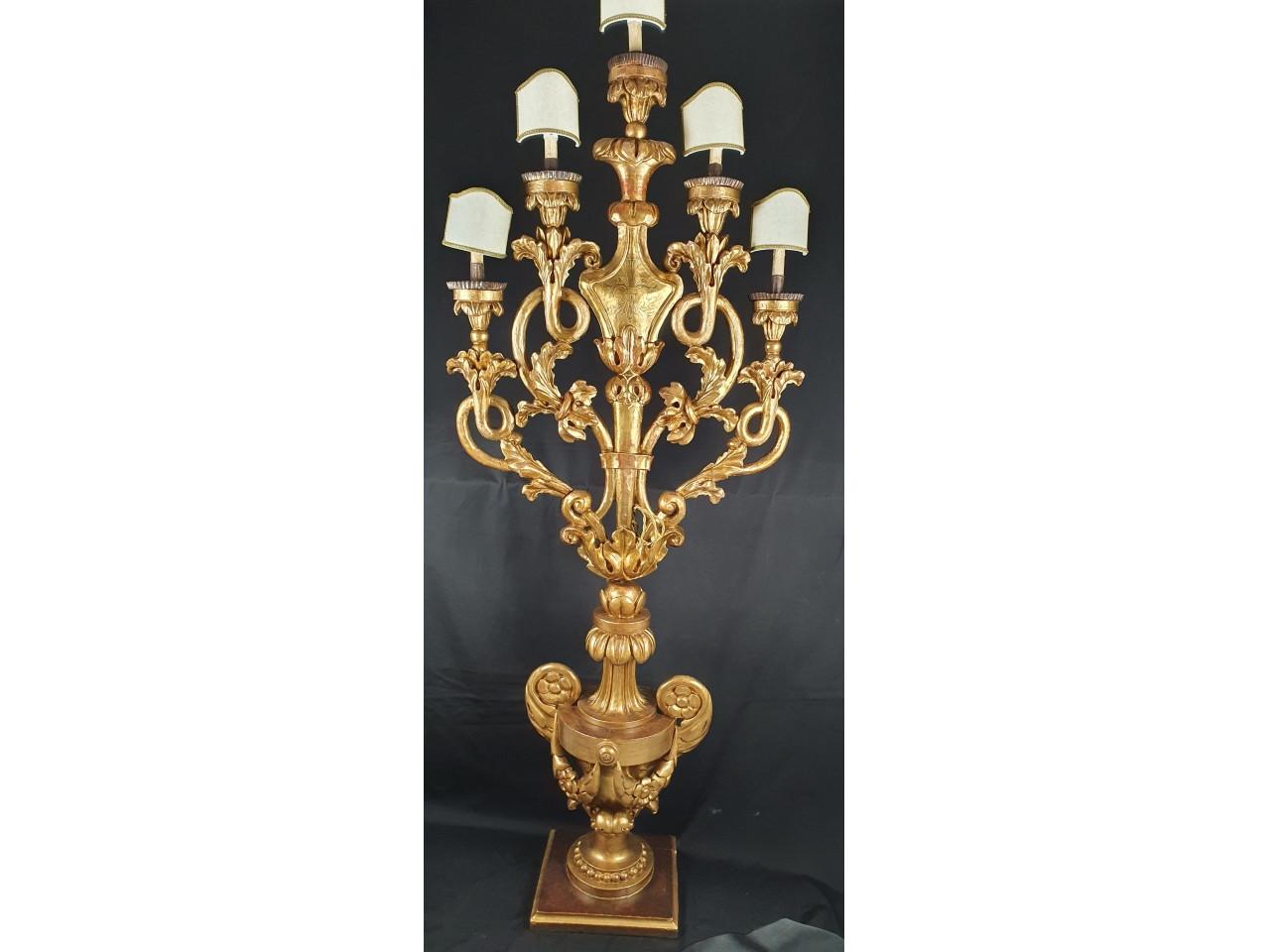 Candelabro in legno dorato del XVIII secolo -Antichità Ioviero