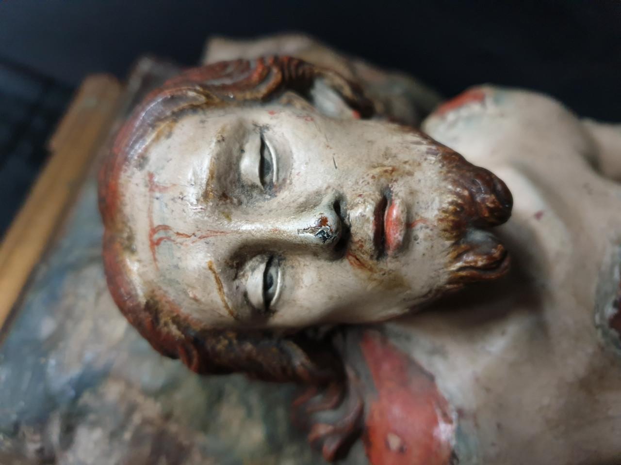 Scultura in legno policromo Cristo deposto '700 - Antichità Ioviero