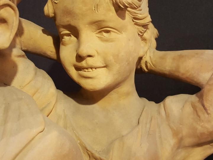 Scultura in terracotta-bimbi-spensierati-800 - Antichità Ioviero