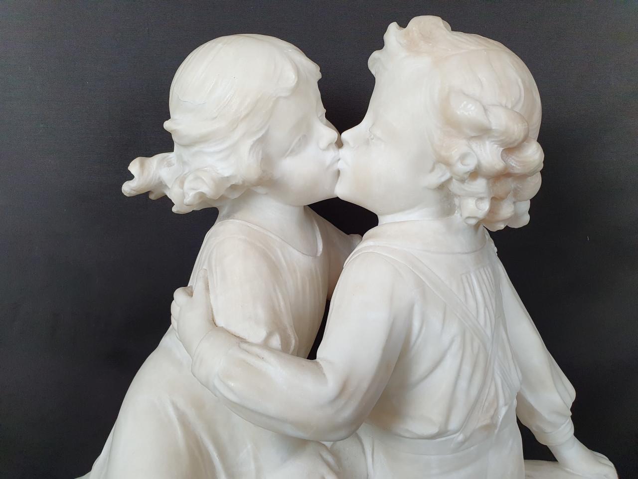 Scultura di Bimbi Innamorati firmata Cipriani 800  - Antichità Ioviero