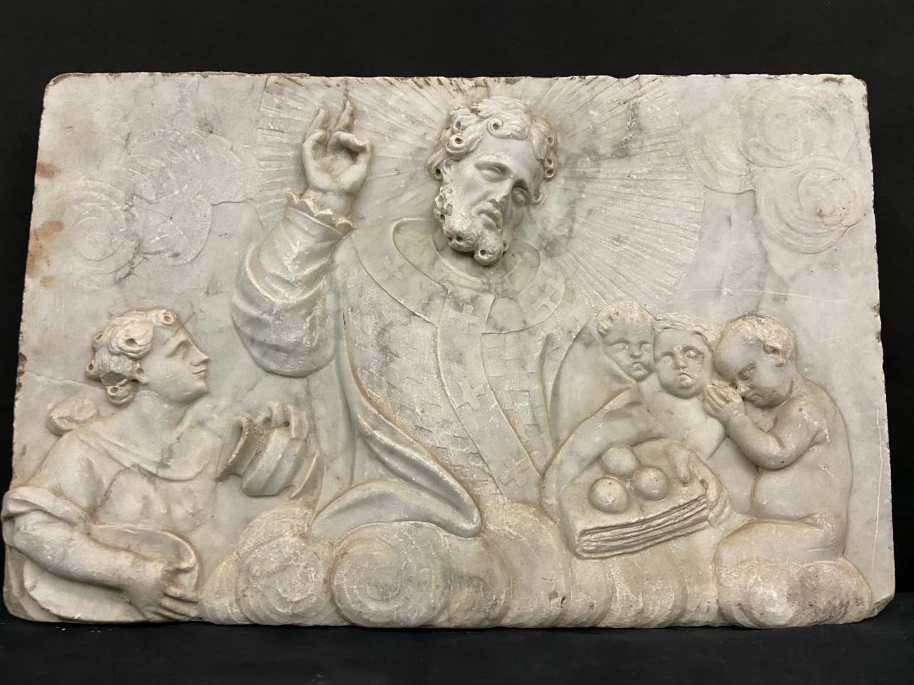 Scultura in altorilievo in marmo di S. Nicola - Antichità Ioviero