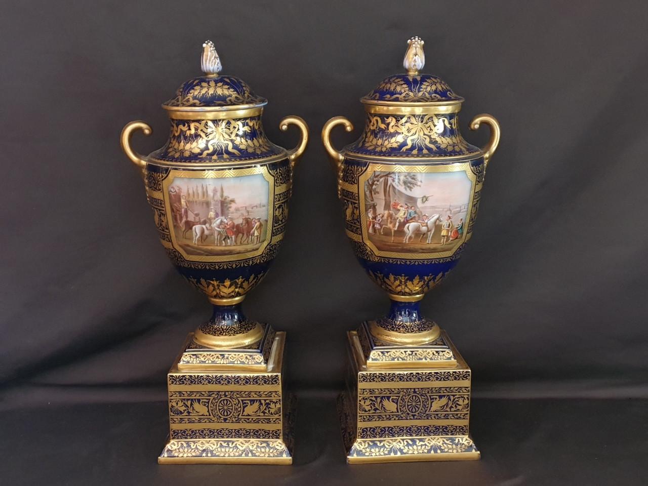 Vasi in porcellana Vienna, Napoleone III - Antichità Ioviero