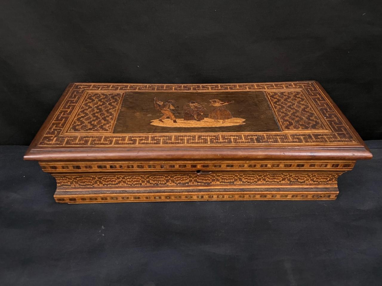 scatola portapenne intarsiata sorrentina del 800 - Antichità Ioviero