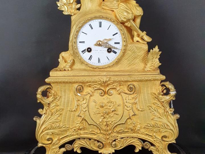 Orologio in bronzo dorato -Antichità Ioviero